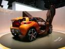 Новый молодежный спорткар Renault Captur